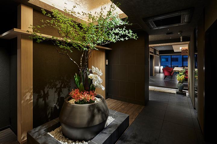 天ぷら料理 花歩 神戸 エントランス 玄関